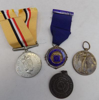 Iraq campaign medal + Great War Victory medal (no ribbon) & two others