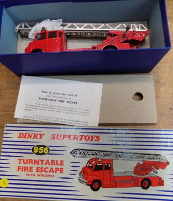 1x dinky super toys 956 turntable fire