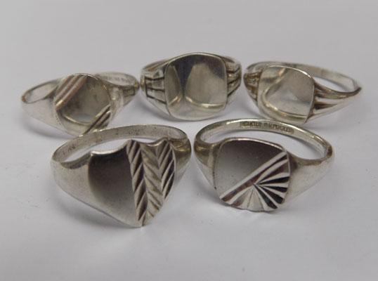 5x Silver signet rings