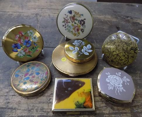 Collection of 8 vintage compacts, incl. Stratton