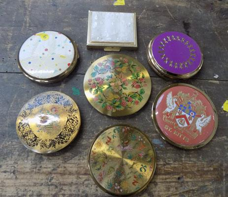 Collection of 7 vintage compacts, incl Stratton