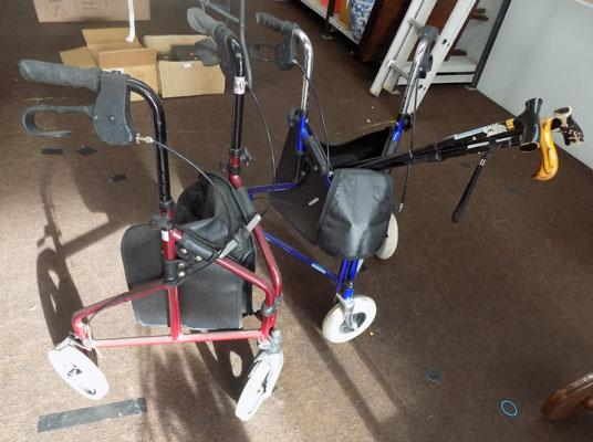 2x Mobility walkers