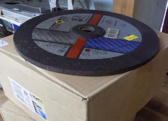 "2x Boxes of 9"" grinding discs"