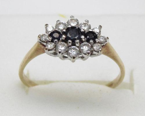 9ct gold sapphire cluster ring approx. size P1/2