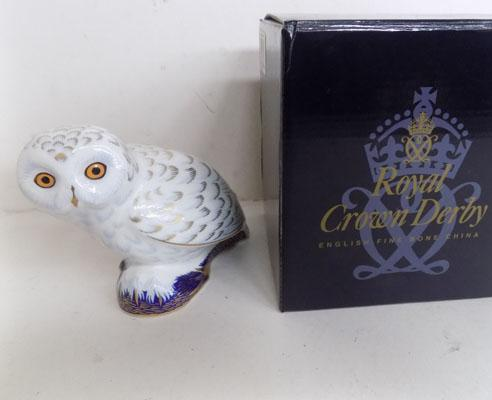 Royal Crown Derby Snowy Owl with gold stopper