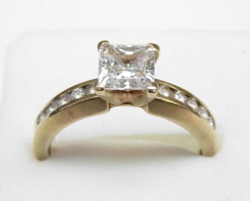 9ct gold princess cut solitaire ring approx. size R