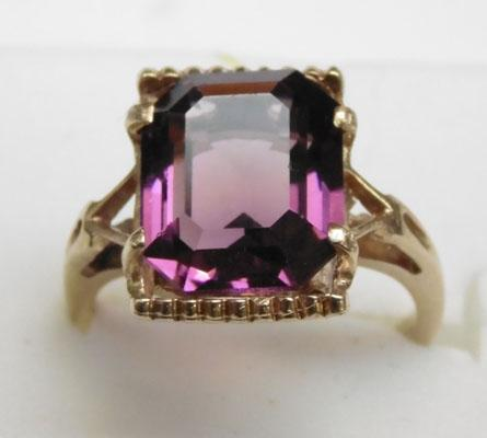 9ct gold amethyst ring approx. size L1/2