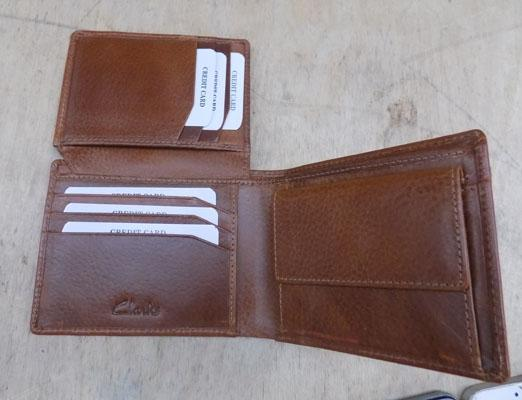 Clarks leather wallet -new