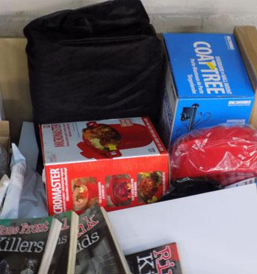 Large box of mixed items incl. Scissor mouse