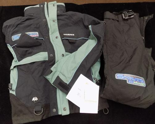Brand new Snow Co snow suit size xs
