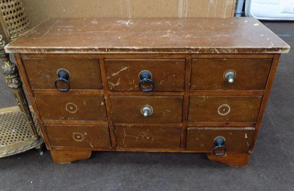 Small set of drawers-need restoring