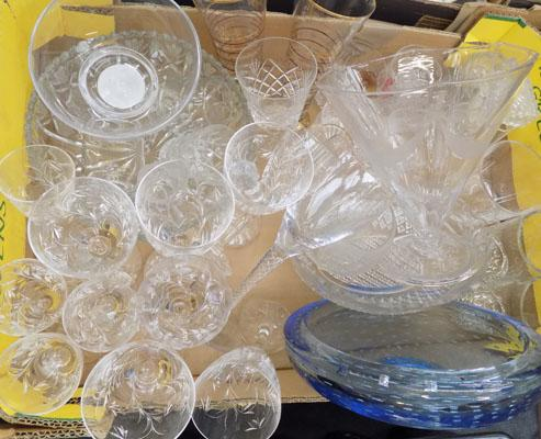Box of mixed glassware