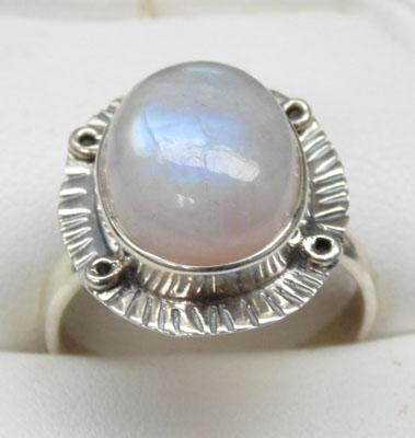 925 silver and moonstone ring size P1/2