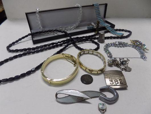 Small selection of costume jewellery & silver thimble