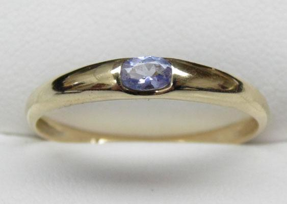 9ct gold tanzanite solitaire ring size U1/2