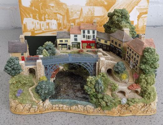 Lilliput Lane iron bridge in box