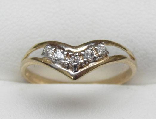 9ct gold wish bone ring size N