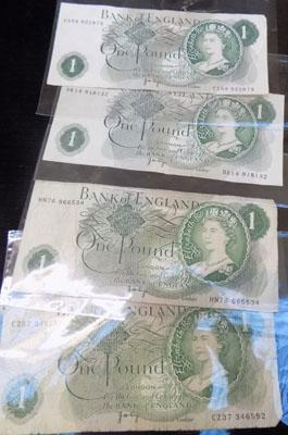 Selection of £1 notes