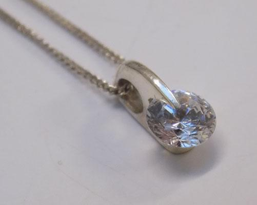 Sterling 925 silver clear stone necklace approx 16""