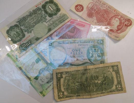 Selection of mixed notes-some foreign