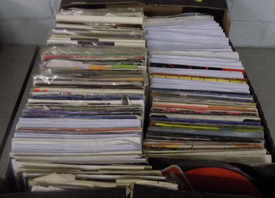 Large box of 1980's singles