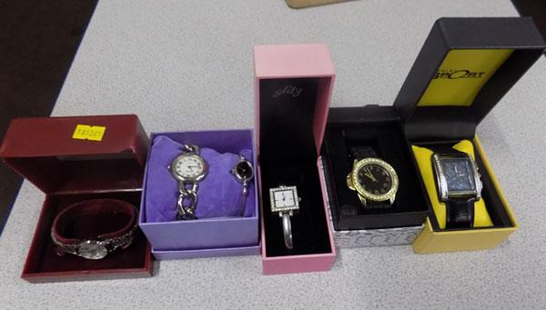 5x New watches in boxes (ideal Christmas gifts)