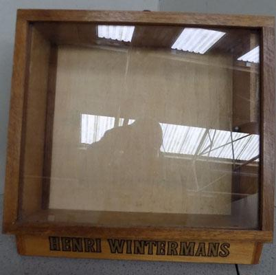 Henri Wintermans vintage display case