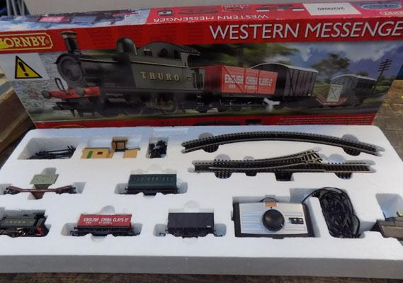 Hornby Western messenger train set
