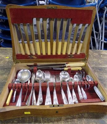 Box of cutlery King George pattern