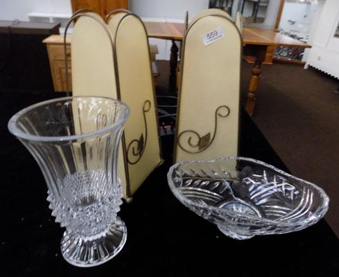 2 Lamps & 2 cut glass vases
