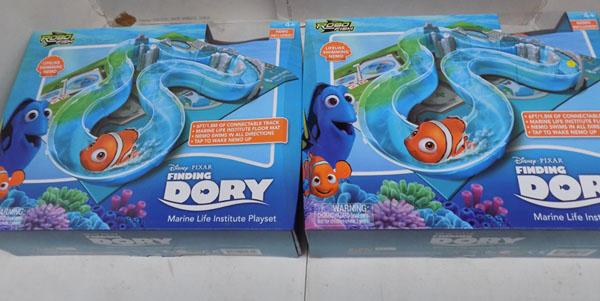 2x Finding Dory play sets