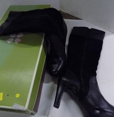 Ladies naturalizer knee length boots size 5