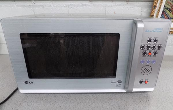 LG Microwave with Cobalt speech master for the blind/partially sighted