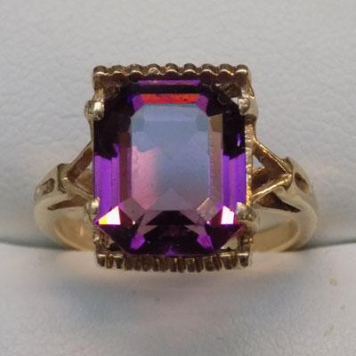 9ct gold amethyst dress ring, size L1/2