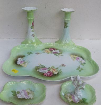 Early dressing table set
