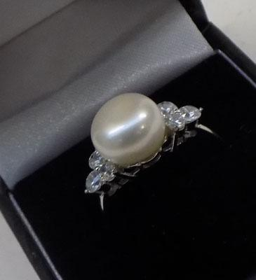 925 silver Pearl and CZ stone ring approx. size P
