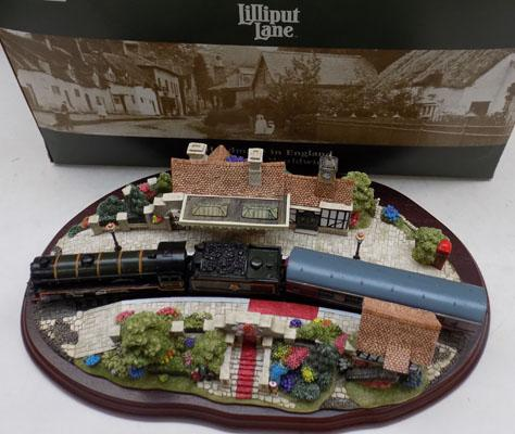 Lilliput Lane 'Royal Train at Sandringham' with box, limited edition + deed card