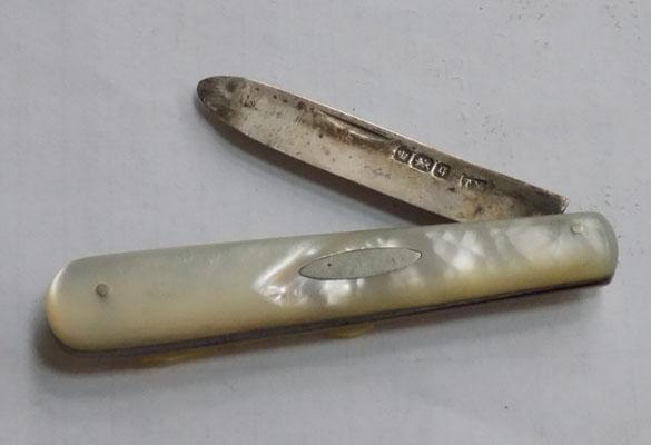Mother of Pearl silver fruit knife Sheffield 1908