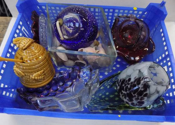 9 lots of unusual glass items