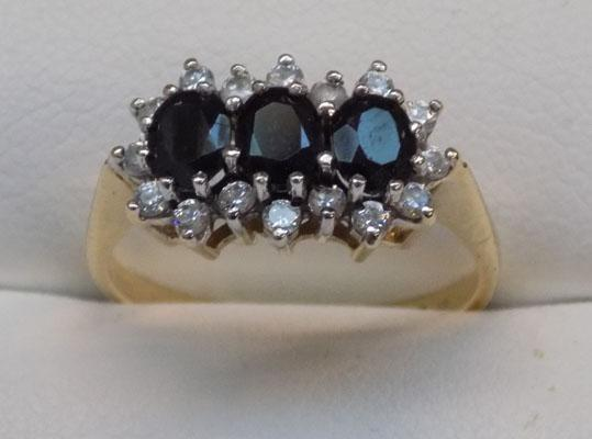 9ct gold sapphire cluster ring, size P