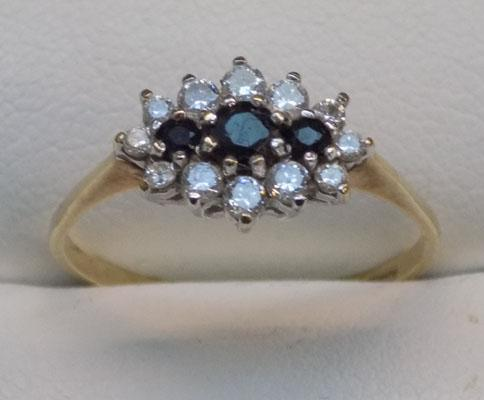 9ct gold sapphire cluster ring, size P1/2