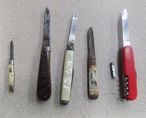 6 collectable vintage pen knives