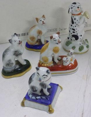 5x miniature cats and dogs ornaments (some damage)