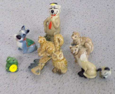 Collection of Wade Whimsies (1 at fault)