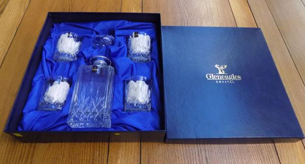 Boxed Gleneagles crystal whisky glasses and decanter