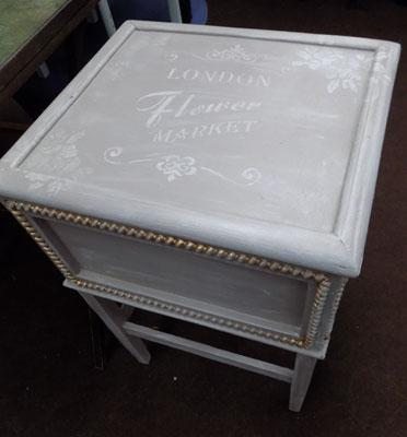 Shabby chic top opening unit