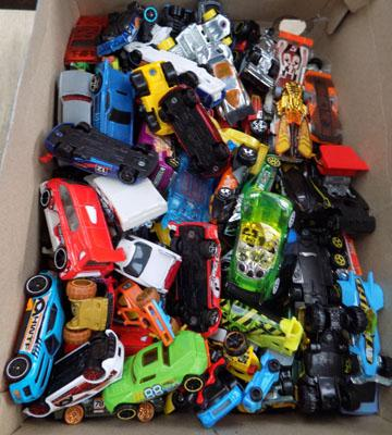 Box of Diecast cars incl. Hot Wheels and Matchbox
