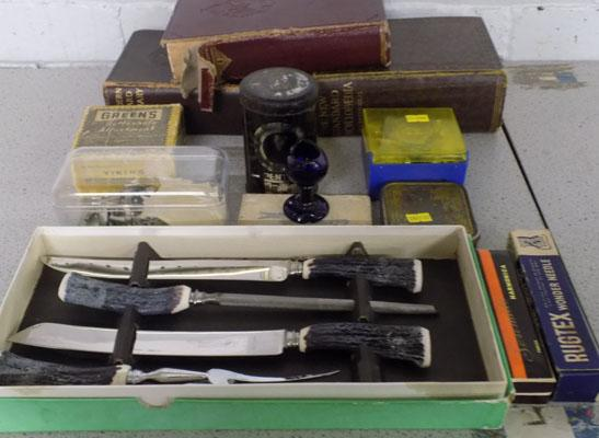 Box of mixed vintage collectables