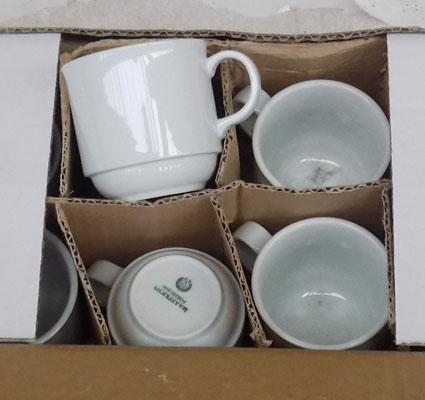 4 boxes of new coffee cups