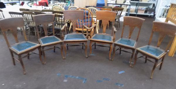 Set of 6 dining chairs, incl. two carvers